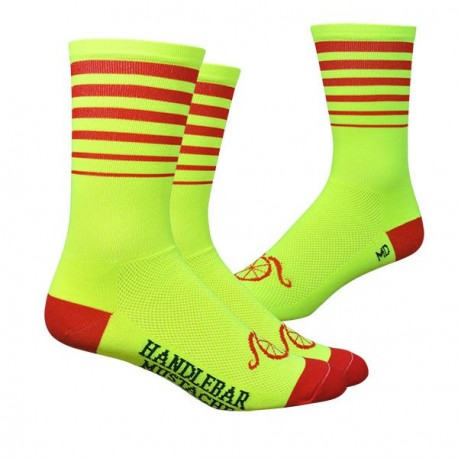 Chaussettes DeFeet Handlebar Mustache Between the lines jaune et rouge
