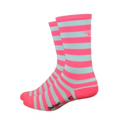 Chaussettes DeFeet Aireator à rayures blanc et rose clair