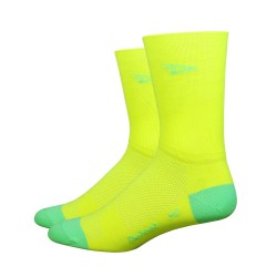 Chaussettes Defeet Aireator Hi-Top jaune fluo