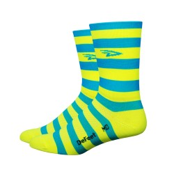Chaussettes Defeet Aireator Hi-Top double layer Stripers jaune et bleu